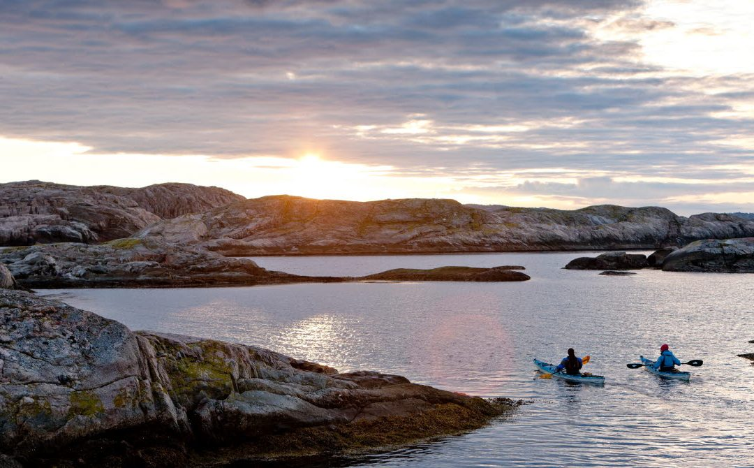KAYAKING IN THE WORLD'S MOST BEAUTIFUL ARCHIPELAGO